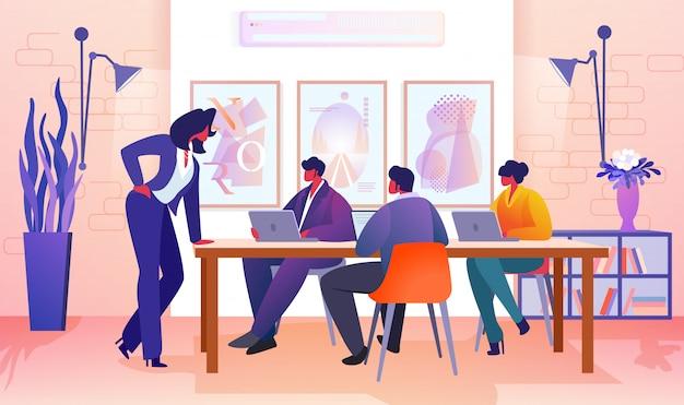 Geschäftsleute, die im modernen büro sich verständigen.
