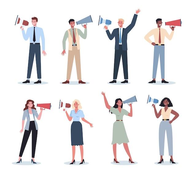Geschäftsleute, die mit megaphonsatz stehen. sonderwerbung mit lautsprecher. sprecher machen ankündigung. kundenaufmerksamkeit erhalten.