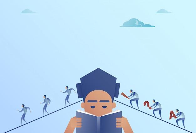Geschäftsleute, die zum geschäftsmann head reading book idea teamwork concept gehen
