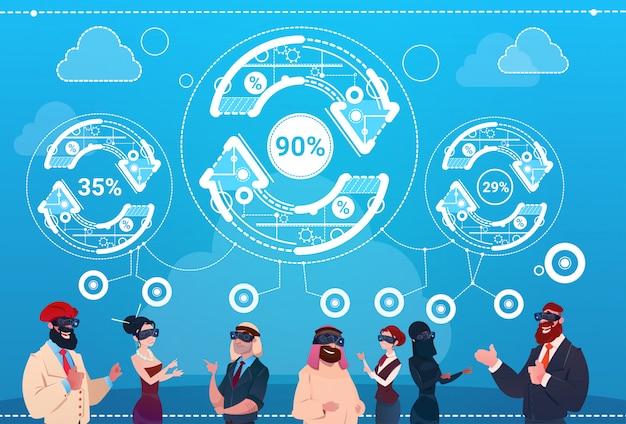Geschäftsleute-gruppen-abnutzungs-digital-wirklichkeits-glas-pfeil-aktualisierungs-finanzerfolg-konzept