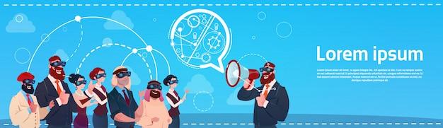 Geschäftsleute-gruppen-abnutzungs-digital-wirklichkeits-glas-sitzung
