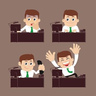 Geschäftsleute sitzen auf dem schreibtisch