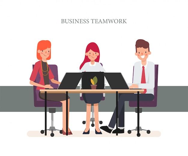 Geschäftsleute teamwork kollegiumseminarsitzung.