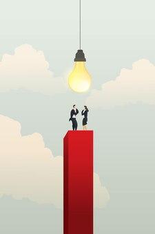 Geschäftsleute und geschäftsfrauen stehen auf rotem diagramm dort helle glühbirne