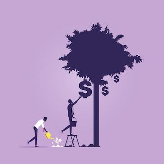 Geschäftsmann, der geldbaum mit schattenwachstumsbaum wässert, der die lange sichtinvestition in geld nimmt