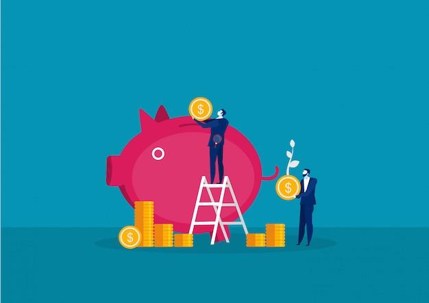 Geschäftsmann, der große münze hält, um geld mit schweinewachstums-investitionskonzept zu sparen