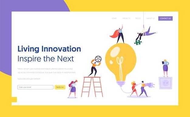 Geschäftsmann glühbirne idee konzept landing page. innovation, brainstorming, kreativitätskonzept teamwork. charakter, der zusammen an einer neuen projektwebsite oder webseite arbeitet. flache karikatur-vektor-illustration
