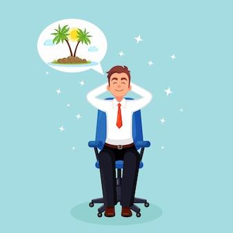 Geschäftsmann ist entspannend und träumt vom urlaub auf einer tropischen insel mit palme am stuhl