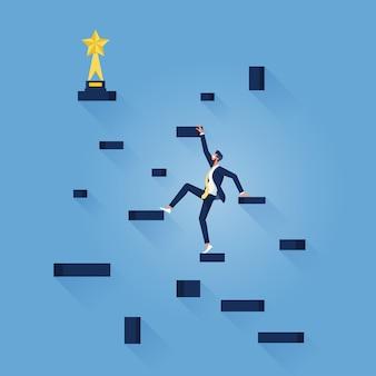 Geschäftsmann klettert auf schritte, um die trophäe, den geschäftsfortschritt und das erfolgskonzept zu gewinnen