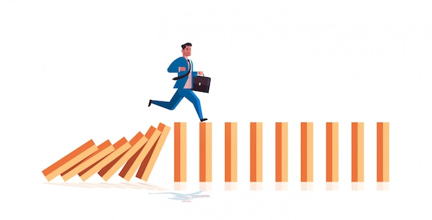 Geschäftsmann läuft auf fallenden dominosteinen problemlösung dominoeffekt krisenmanagement kettenreaktion finanzen interventionskonzept horizontal in voller länge