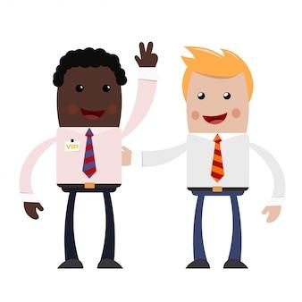 Geschäftsmann mit zwei jungen. ein paar erfolgreiche geschäftsleute - blond und afroamerikanisch - mit einem glücklichen lächeln im gesicht.