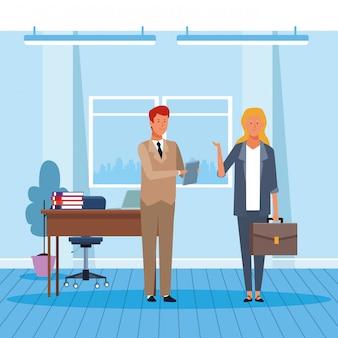 Geschäftsmann und frau, die im büro arbeiten