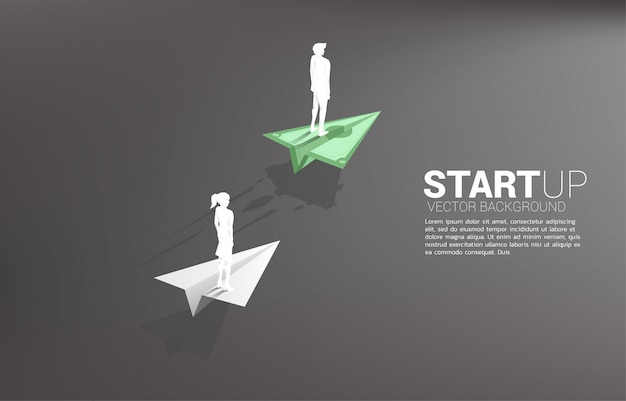 Geschäftsmann und geschäftsfrau, die auf geldbanknoten-origami-papierflugzeug stehen, bewegen sich schneller als das weiße. geschäftskonzept der überholspur zum bewegen und starten.