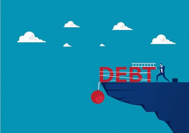 Geschäftsmannversuch, der große schuldenlast auf moutain drückt.