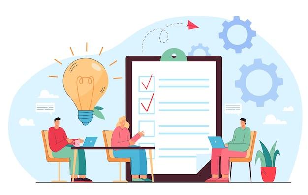 Geschäftsteam, das ideen beim treffen teilt