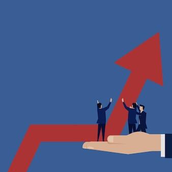 Geschäftsteam versuchen, das diagrammwachstum einzurichten.
