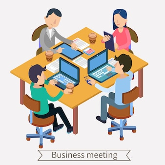 Geschäftstreffen und isometrisches konzept der teamworking. büroangestellte mit laptops, tablets und dokumenten