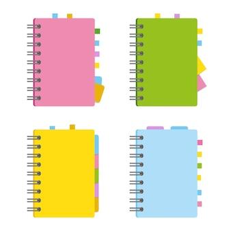 Geschlossenes notizbuch, persönliches tagebuch auf einer spirale mit lesezeichen und papier für notizen.