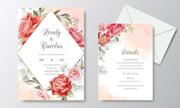 Gesetzte schablone der hochzeitseinladungskarte mit schöner rosafarbener blume und blättern