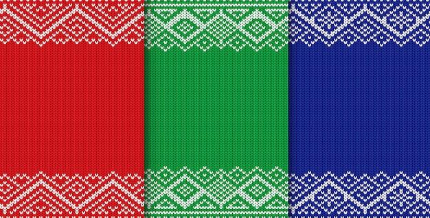 Gestrickter weihnachtshintergrund. satz der drei farbnahtlosen geometrischen verzierung.