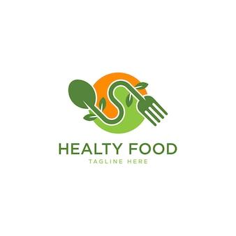 Gesundes lebensmittellogoschablonenvektordesign mit löffelgabeln und grünen blättern