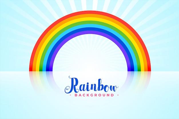 Gewölbter regenbogen mit reflexionen