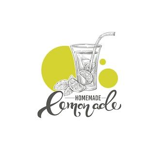 Gezeichnete illustration des hausgemachten limonadenvektors mit kalligraphiebeschriftungszusammensetzung für ihr logo