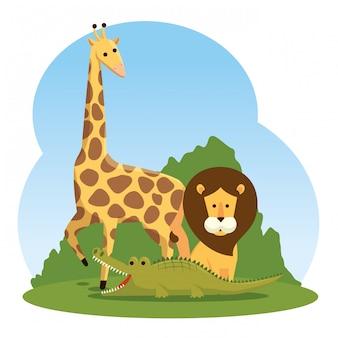 Giraffe mit wilden tieren des löwes und des krokodils
