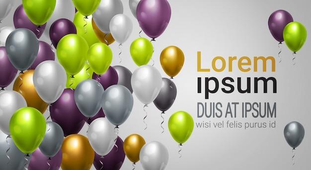 Glänzendes helium steigt dekoration für partei-, feier- oder festival-ereignishintergrundschablone im ballon auf