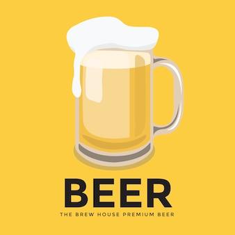 Glas bier mit schaum auf gelbem hintergrund