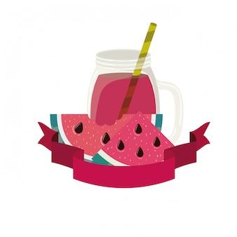 Glas mit wassermelonen- und strohgetränk