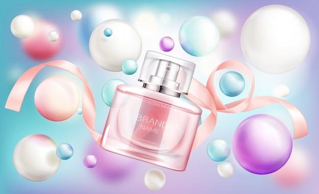 Glassprüherflasche mit rosa flüssigkeit und seidenband auf regenbogen