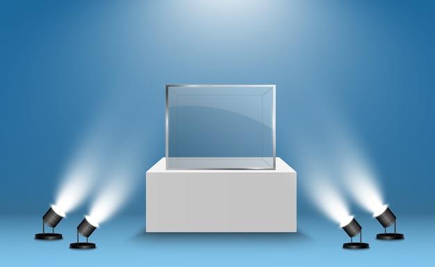 Glasvitrine für die ausstellung in form eines würfels. hintergrund zum verkauf von scheinwerfern beleuchtet. museum glasbox isoliert werbung oder business design boutique. ausstellungshalle.