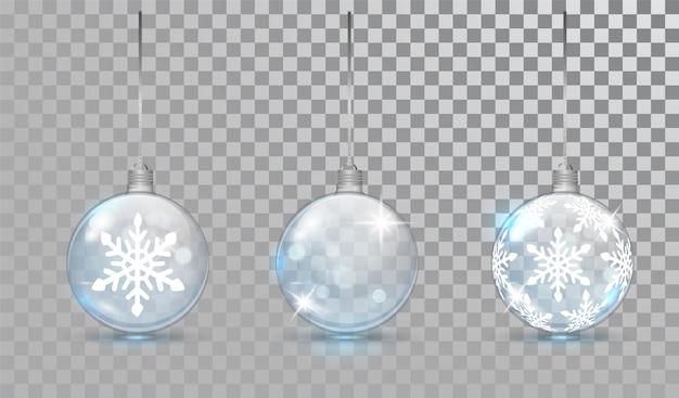 Glasweihnachtskugeln eingestellt mit schneeflockemuster.