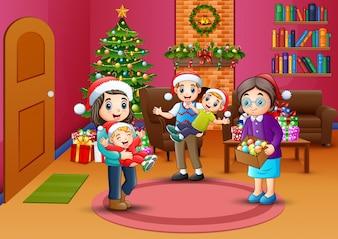 Glückliche Familienfeier ein Weihnachten