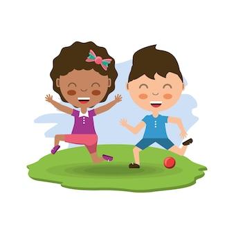 Glückliche Kinder der Karikatur, die mit einem Ball spielen