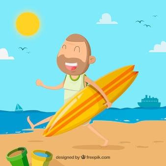 Glücklicher Surfer am Strand