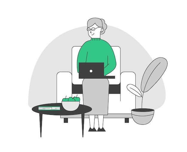 Glückliche ältere dame mit weißen haaren und brillen, die auf couch sitzen