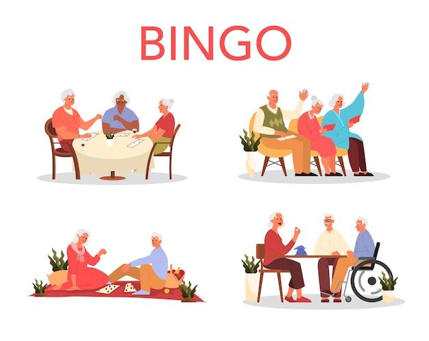 Glückliche ältere spielen zusammen bingo. alter mann und frau spielen