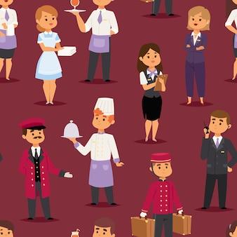 Glückliche empfangsdame der hotelberufsleute, die am hotelschalter und niedlichen zeichen in der uniform stehen