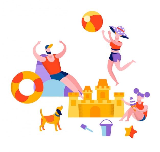 Glückliche familie, die auf dem strand spielt ballsommer sich entspannt