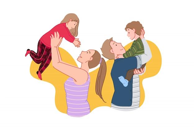 Glückliche familie, frohe sitzung, kinderzeitkonzept