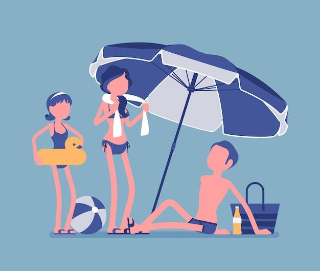 Glückliche familie genießt ruhe am strand. eltern, tochter, vater liegen in der sonne am sandufer unter gestreiftem regenschirm, entspannen sich beim sonnenbaden, touristen im warmen land. vektorillustration, gesichtslose charaktere