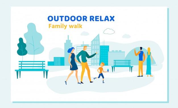 Glückliche familie im freien entspannen sich sommer-tätigkeits-freizeit