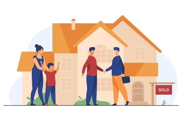 Glückliche familie mit kind, das neues haus kauft