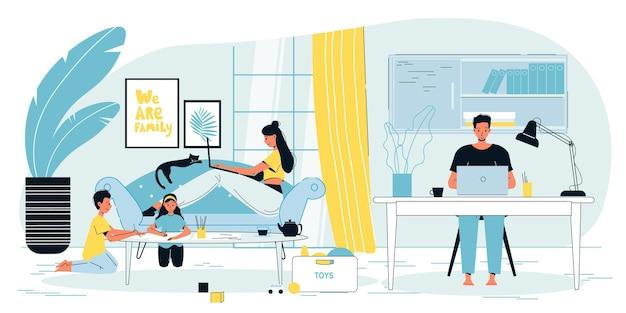 Glückliche familie von freiberuflichen eltern, die zu hause bürowohnungsinnenarbeitsplatz arbeiten