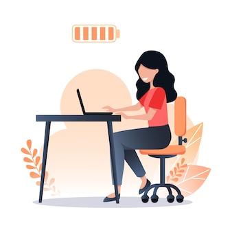 Glückliche frau arbeitet an einem laptop, voller batterie, produktiver arbeit und einem guten arbeitstag