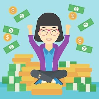 Glückliche geschäftsfrau, die auf münzen sitzt.