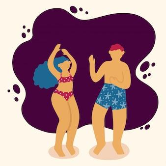 Glückliche junge leute, die in einen badeanzug tanzen. schöne frau und männer am strand