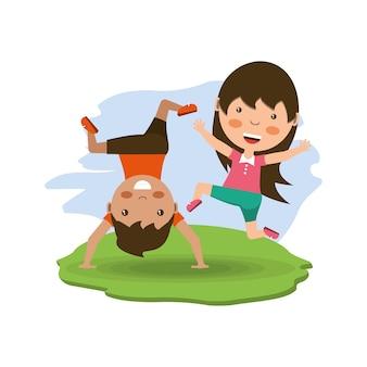 Glückliche kinder der karikatur, die wagenrad tun